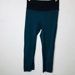 Lululemon green cropped leggings 6 A3